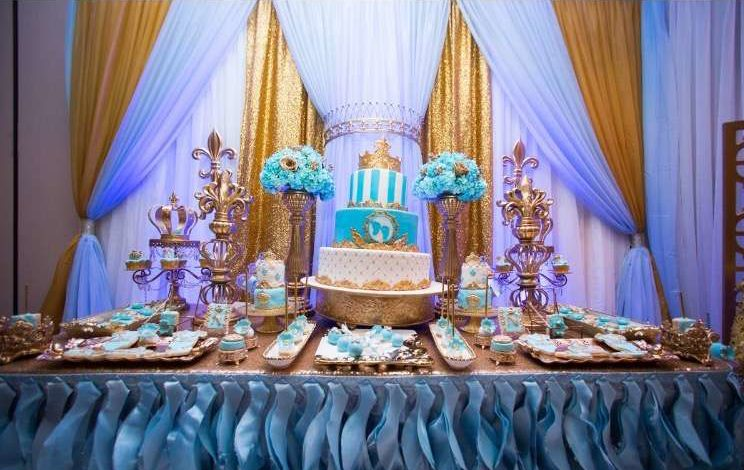 gold-and-blue-royal-baby-shower-tablescape-decors