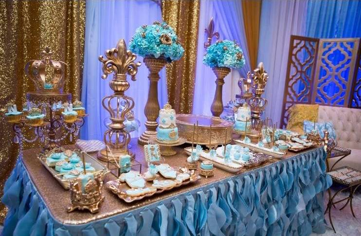 gold-and-blue-royal-baby-shower-tablescape