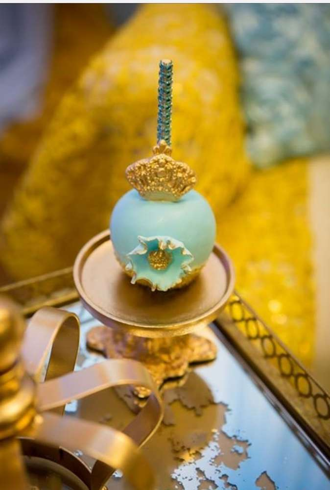 gold-and-blue-royal-baby-shower-treats