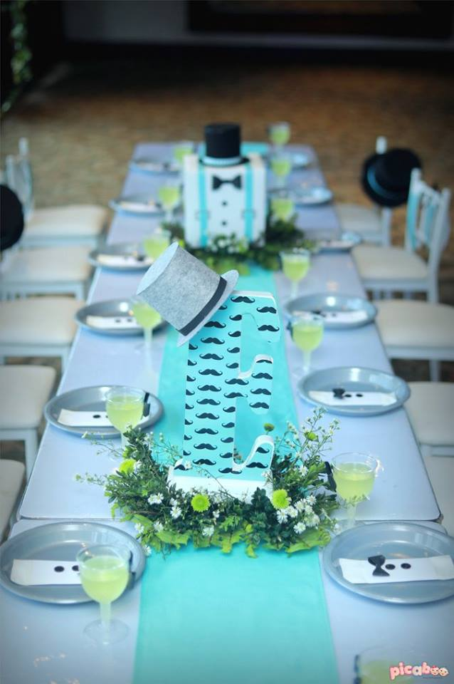 little-man-first-celebration-guest-table