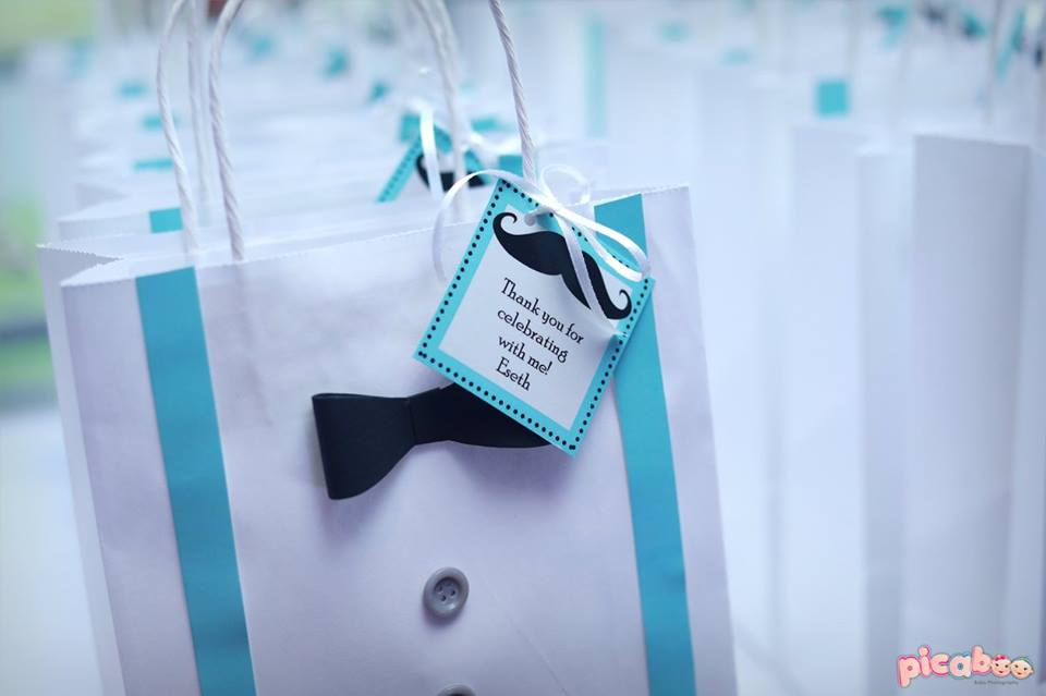 little-man-first-party-favor-box-with-cute-tags