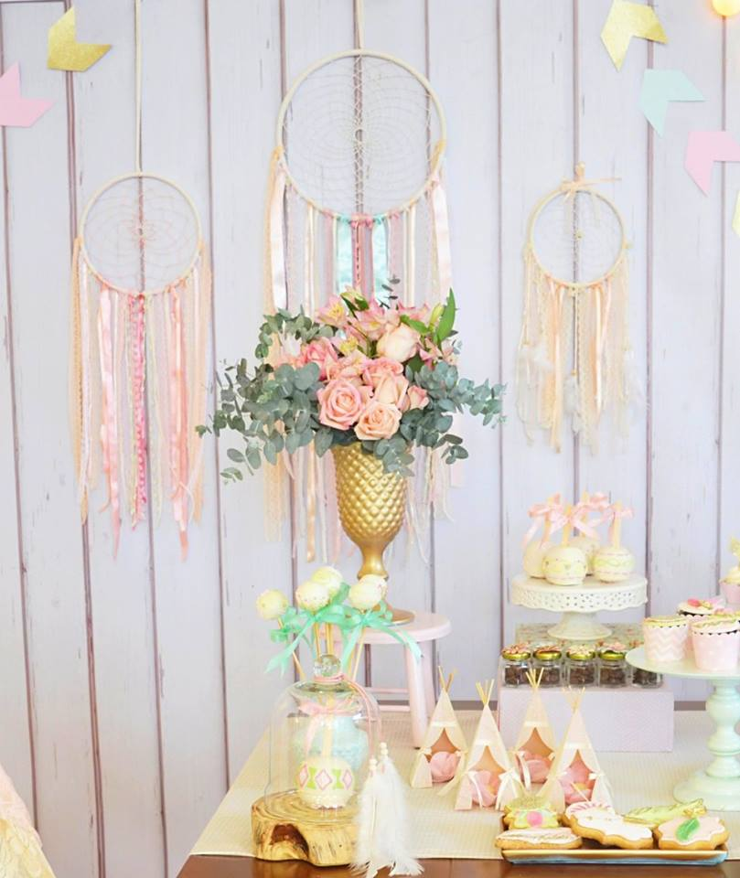 pastel-boho-chic-party-dreamcatch-backdrop