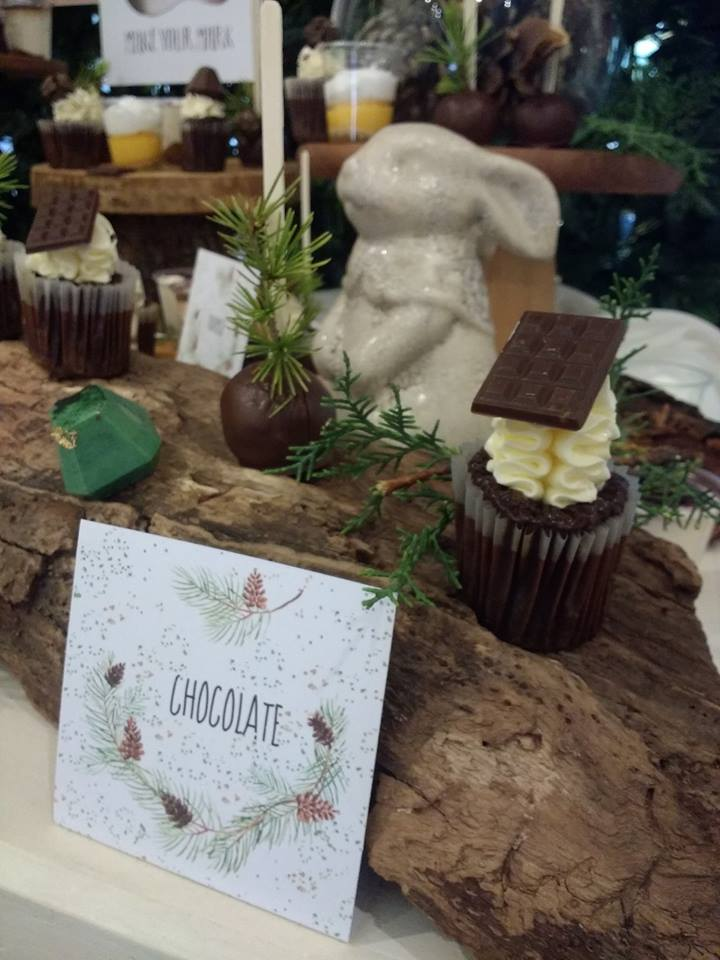 play-in-the-forest-party-chocolate-cupcake-label