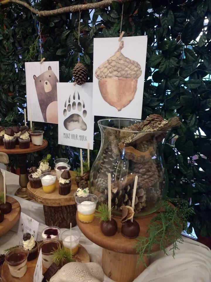 play-in-the-forest-party-dessert-table-with-woodland-animals