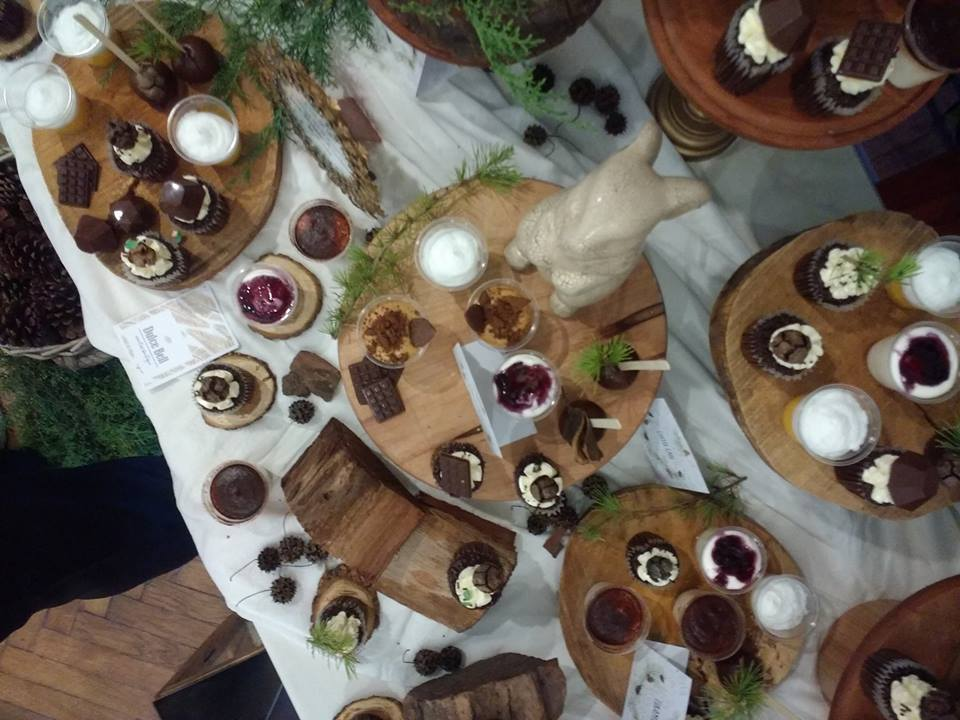 play-in-the-forest-party-food-table