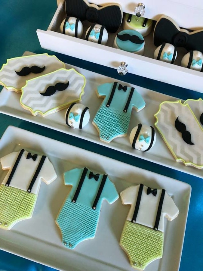 sophisticated-little-man-baby-shower-sugar-cookies-901