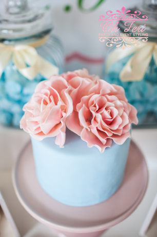 floral-chic-baby-shower-cake-with-elegant-flowers