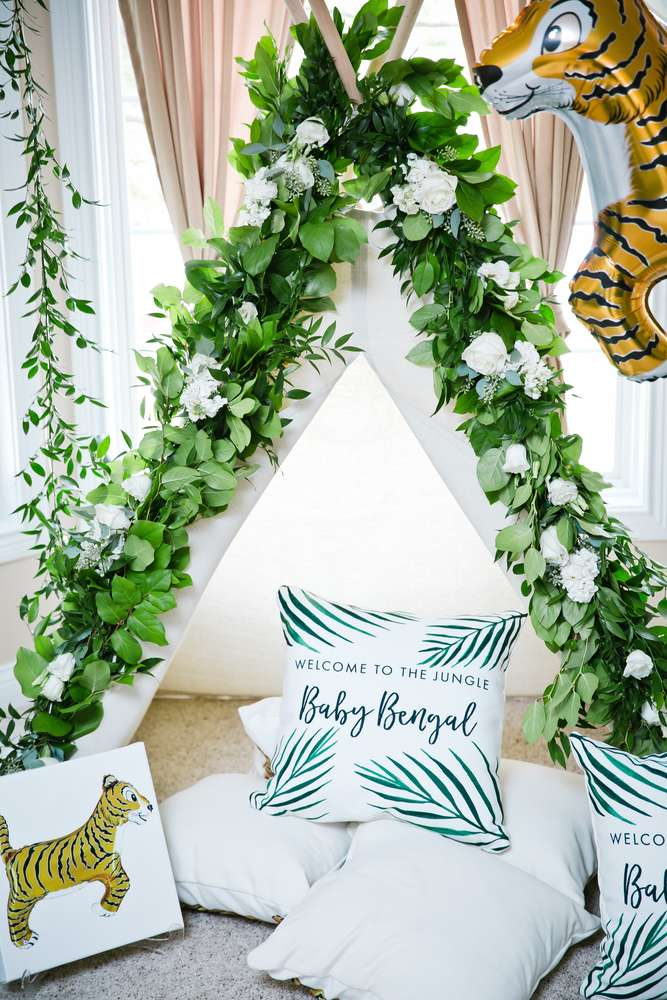 baby-bengal-jungle-shower-decorative-teepee
