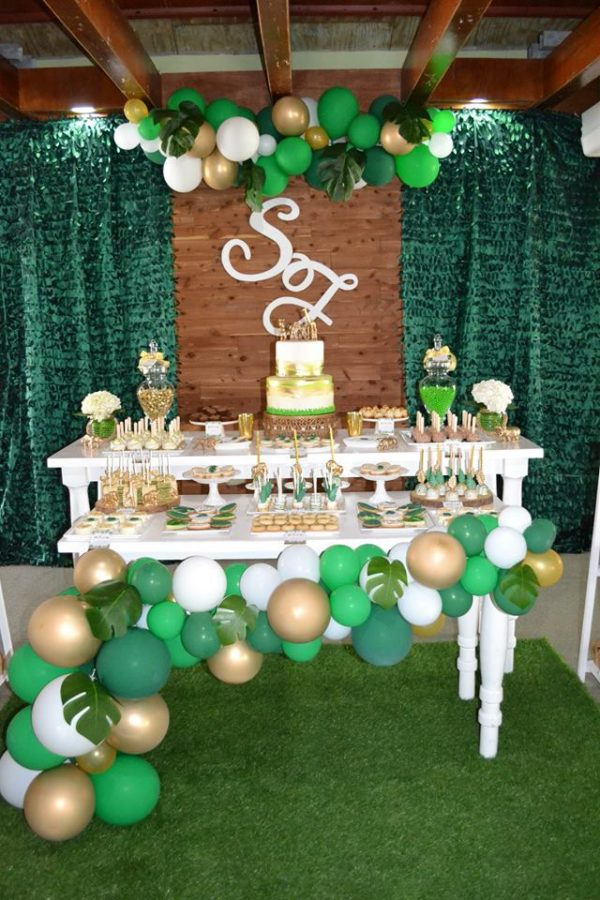gold-and-hunter-green-safari-baby-shower-dessert-table