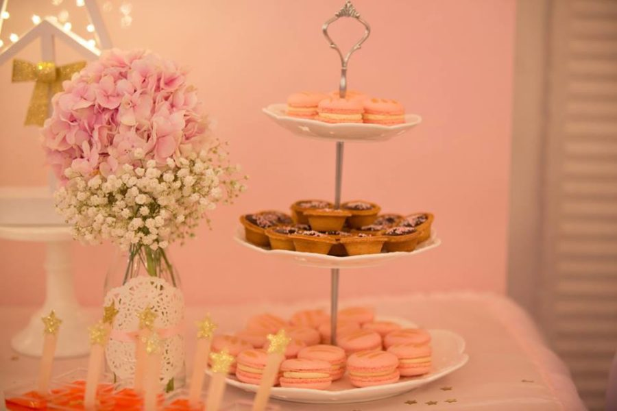 angelic-pink-baby-shower-flowers