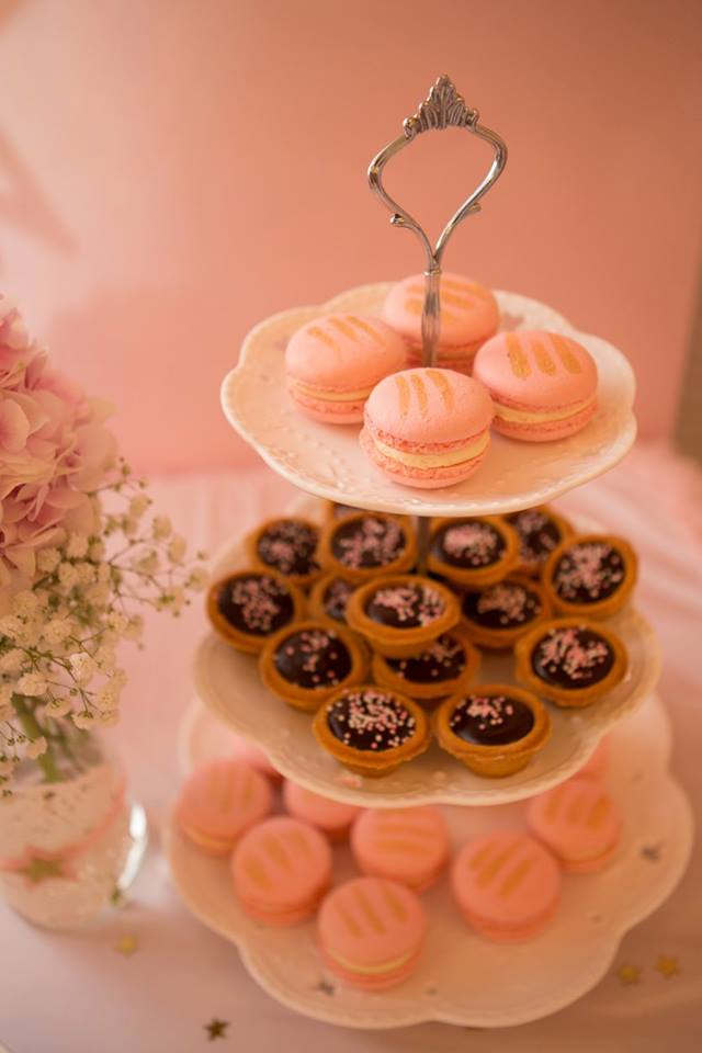 angelic-pink-baby-shower-macarons