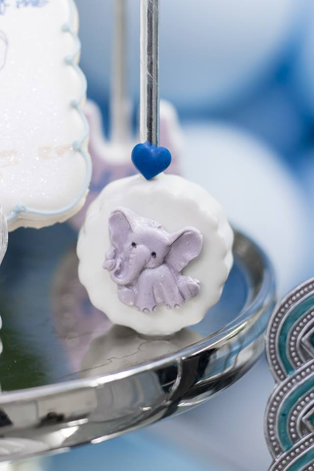 blue-and-silver-elephant-baby-shower-candied-cookie