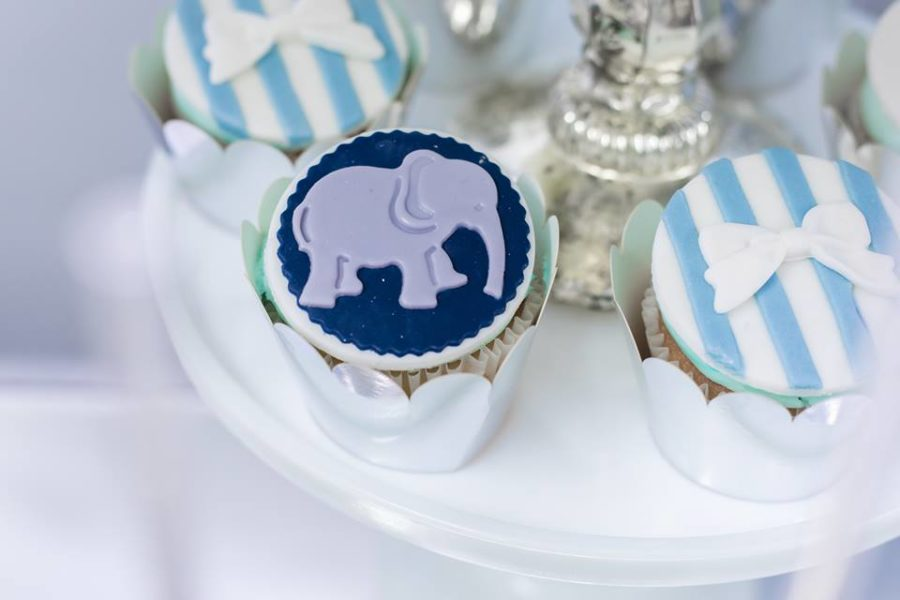 blue-and-silver-elephant-baby-shower-cookie-cupcakes