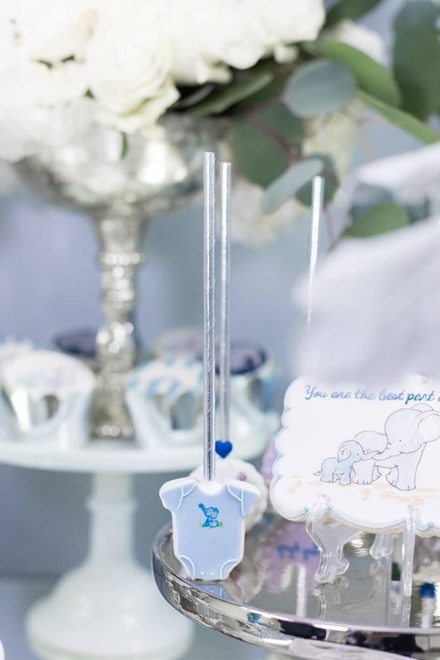 blue-and-silver-elephant-baby-shower-onesie-treat