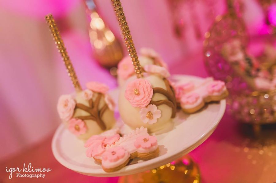 pink-cherry-blossom-baby-shower-cakepops