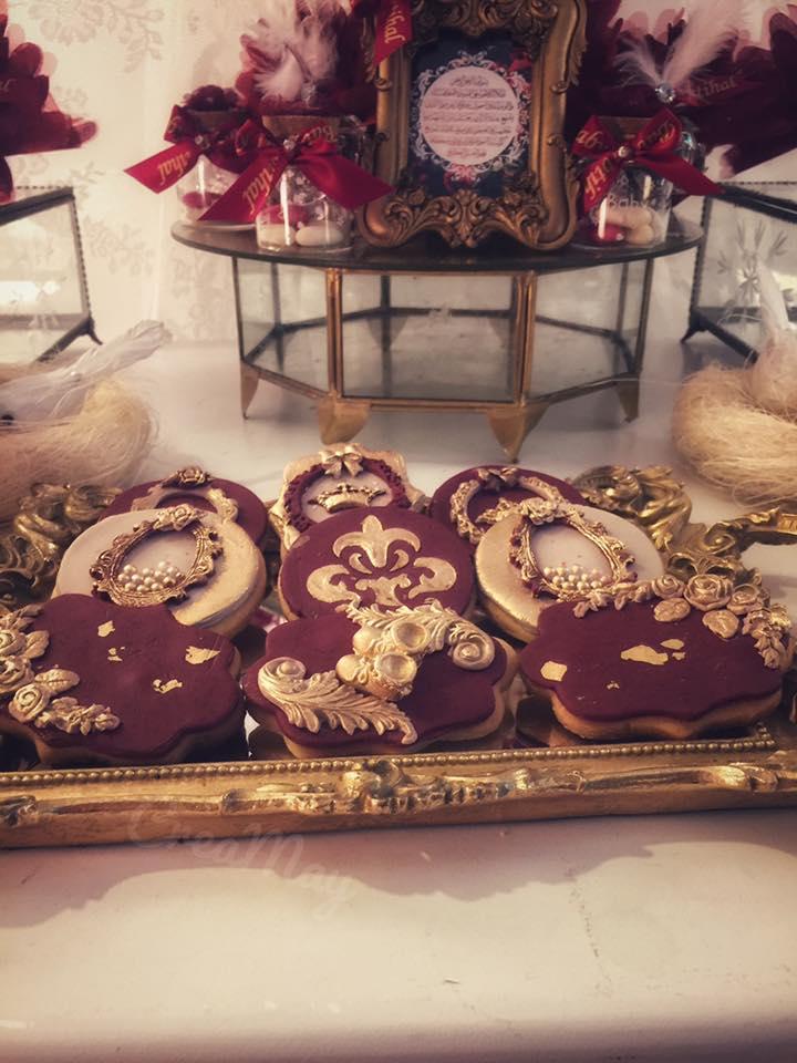 royal-velvet-baby-shower-cookies