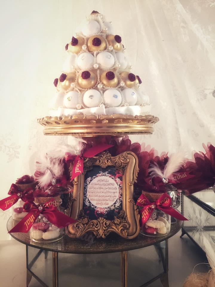 royal-velvet-baby-shower-sweets