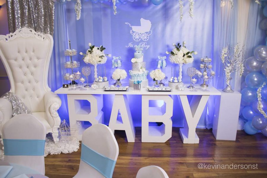 whimsical-carriage-baby-shower-balloons