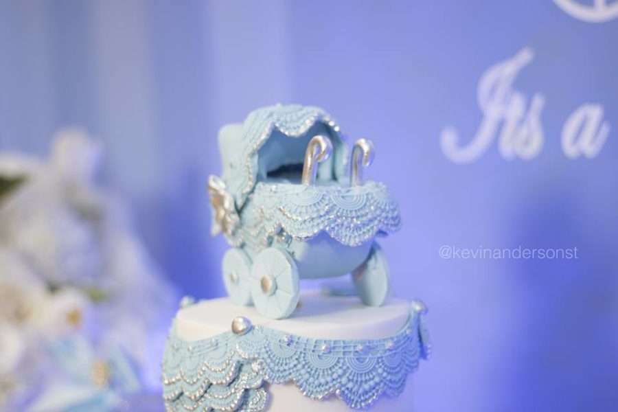 whimsical-carriage-baby-shower-blue-stroller