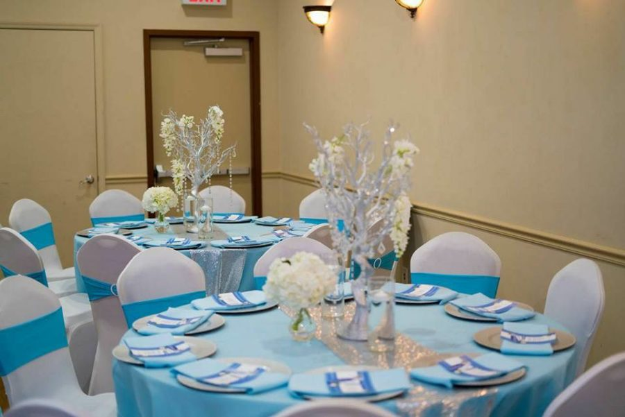 whimsical-carriage-baby-shower-round-tables