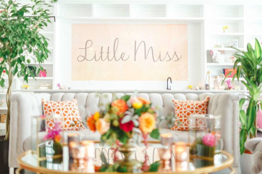 whimsical-little-miss-baby-shower-couch