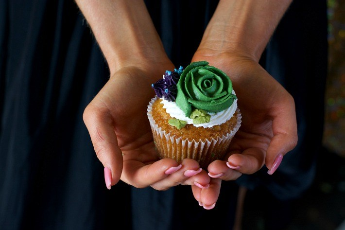 bohemian-style-baby-shower-cactus-cupcake