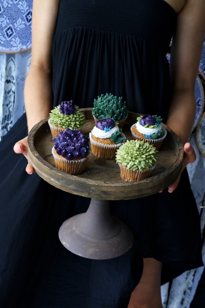 bohemian-style-baby-shower-cupcakes