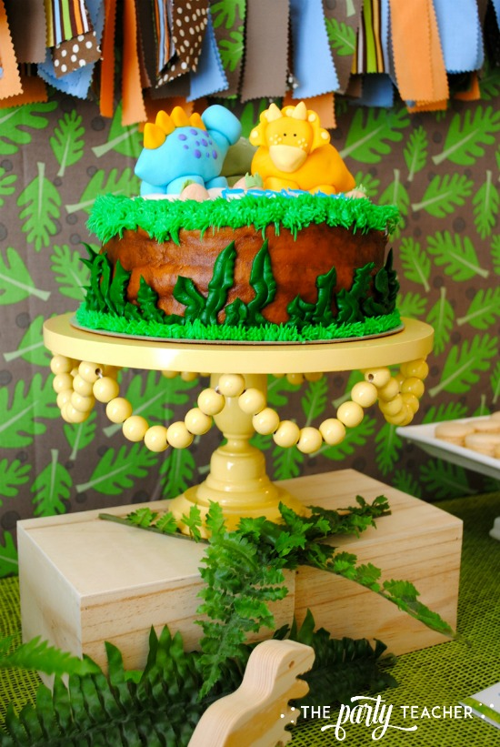 dinosaur-galore-baby-shower-cake