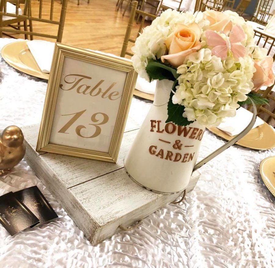 elegant-garden-baby-shower-flower-centerpieces