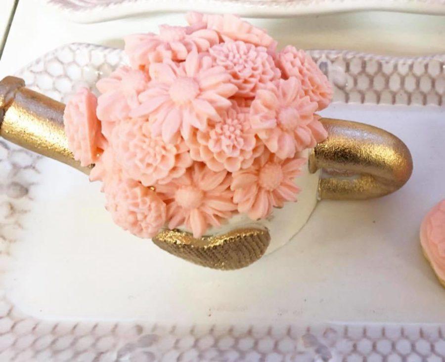 elegant-garden-baby-shower-teapot