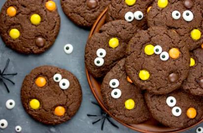 halloween-cookies-with-eyeballs