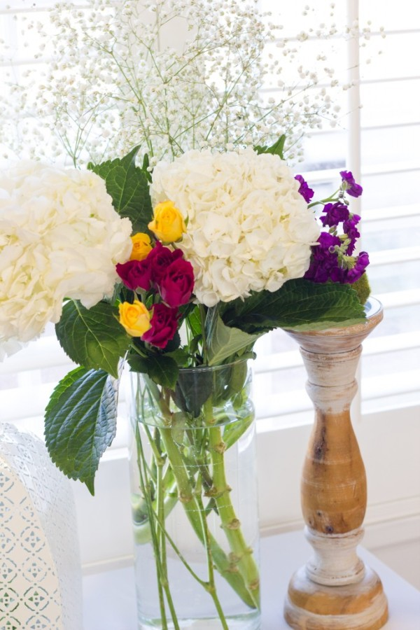 bold-and-bright-baby-shower-clear-vase
