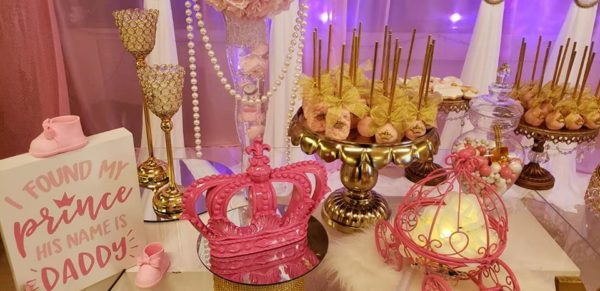 pink-princess-tiara-decor