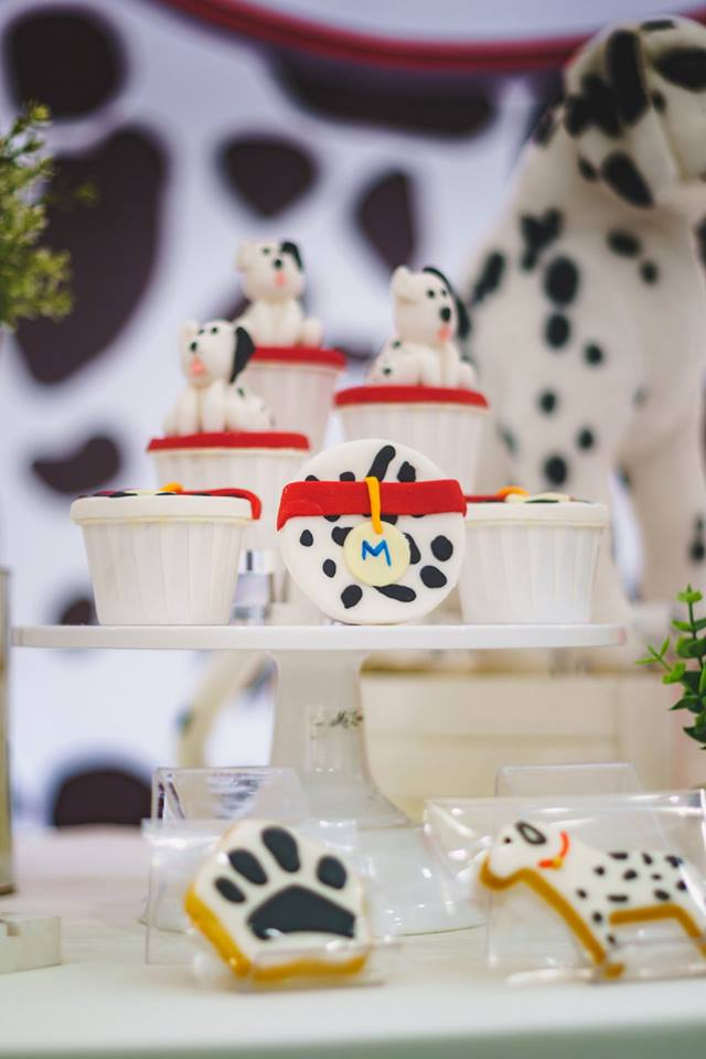 dalmatians-baby-celebration-cupcake-decor