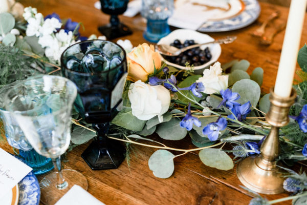 indigo-and-blueberry-themed-florals