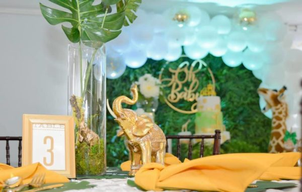 gold-elephant-status-centerpiece