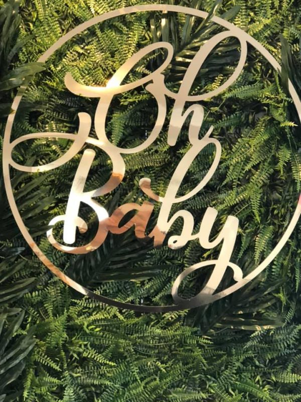 gold-glam-baby-shower-lettering-decoration