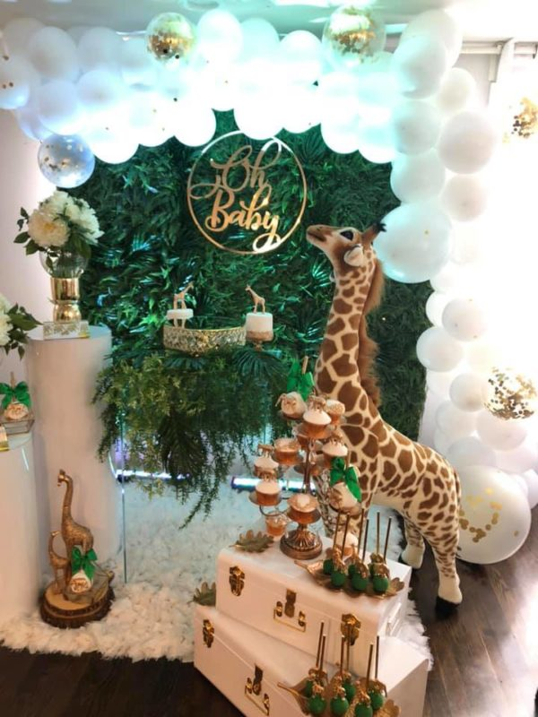oh-baby-safari-baby-shower-backdrop-and-balloons