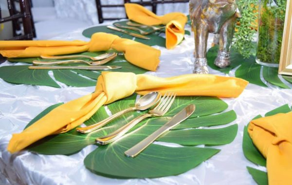 safari-tropical-leaves-for-table-setting