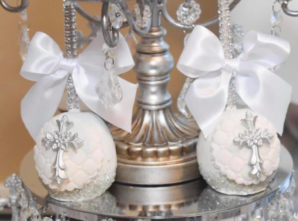 silver-cakepops-and-white-ribbon