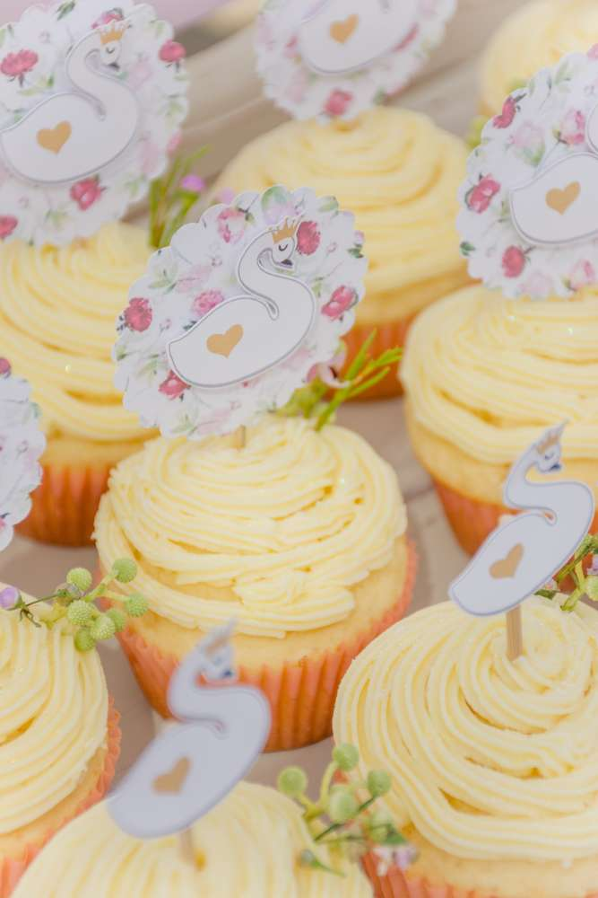 sweet-swan-princess-shower-frosted-cupcakes