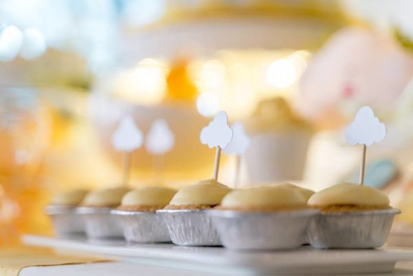 adorable-cloud-cupcake-toppers