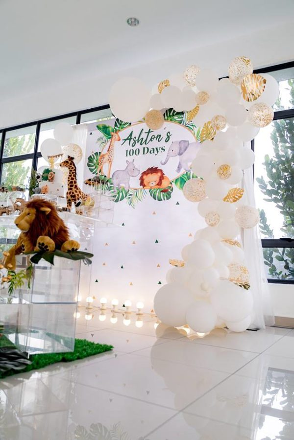 gold-and-white-balloon-arch