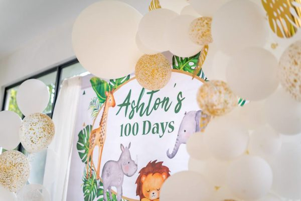 gold-confetti-and-white-balloons-for-safari-party