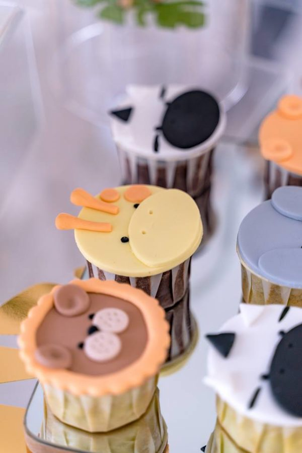 safari-animal-cupcakes