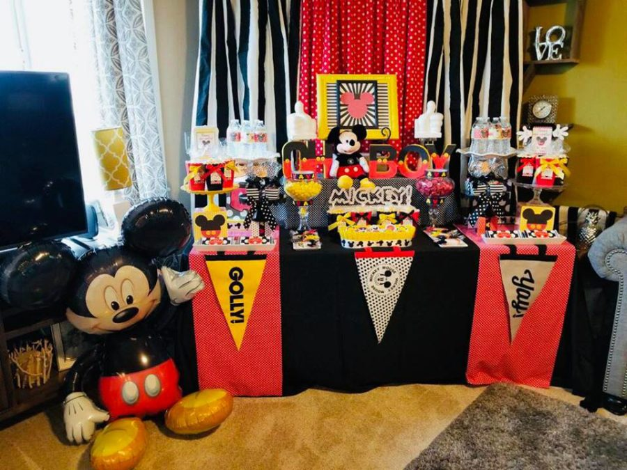 mickey-mouse-baby-shower-celebration-balloon