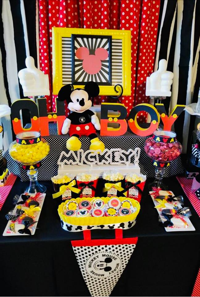 mickey-mouse-baby-shower-celebration-decorations