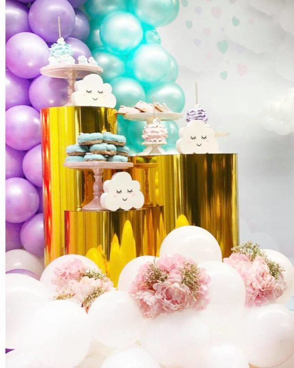 sprinkled-with-love-celebration-cloud-cookies-and-decors