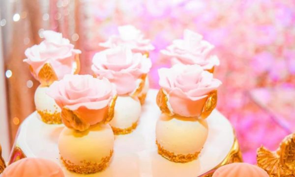 blush-and-gold-hotair-balloon-baby-shower-cakepops