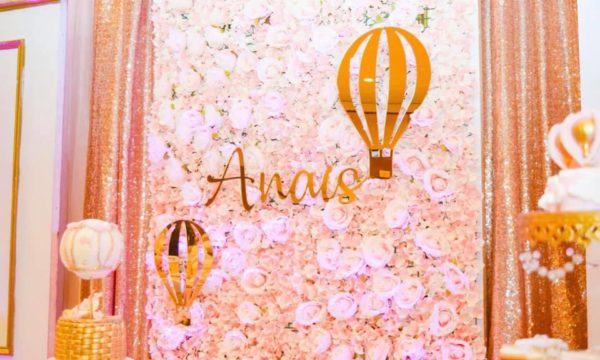 blush-and-gold-hotair-balloon-backdrop